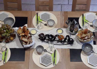 petit déjeuner salle à manger La Tour Levoy